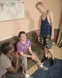 Gay Interracial Sex : Aiden Summers & Mr. Hampton!