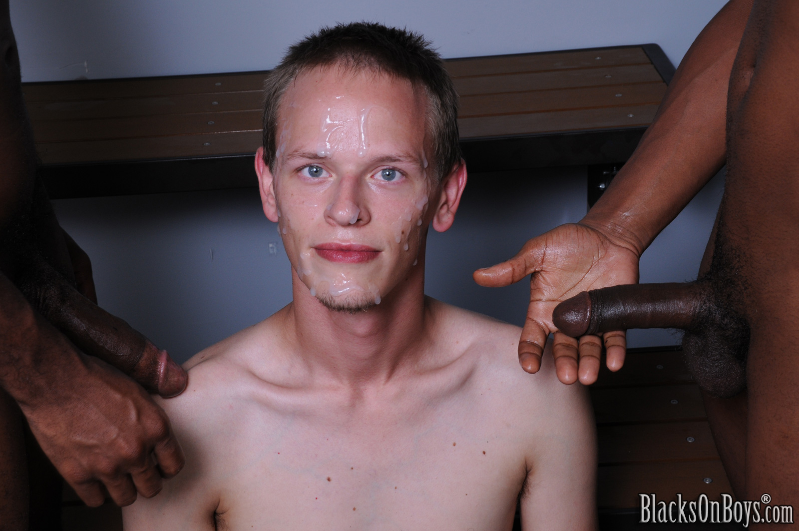 white-boys-black-facial-sex-in-public-galleries